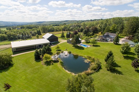 50 Acre Valley Retreat Expansive Property With Family Home